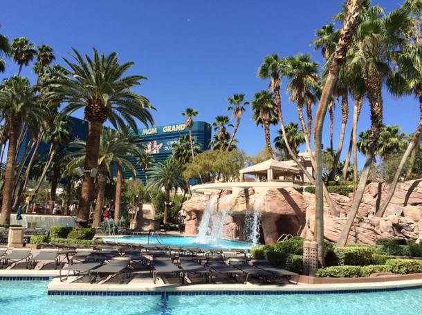 best las vegas pools 2015